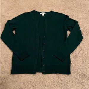 A beautiful spruce green sweater in size medium